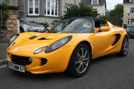 Illustration de Lotus Elise 111R