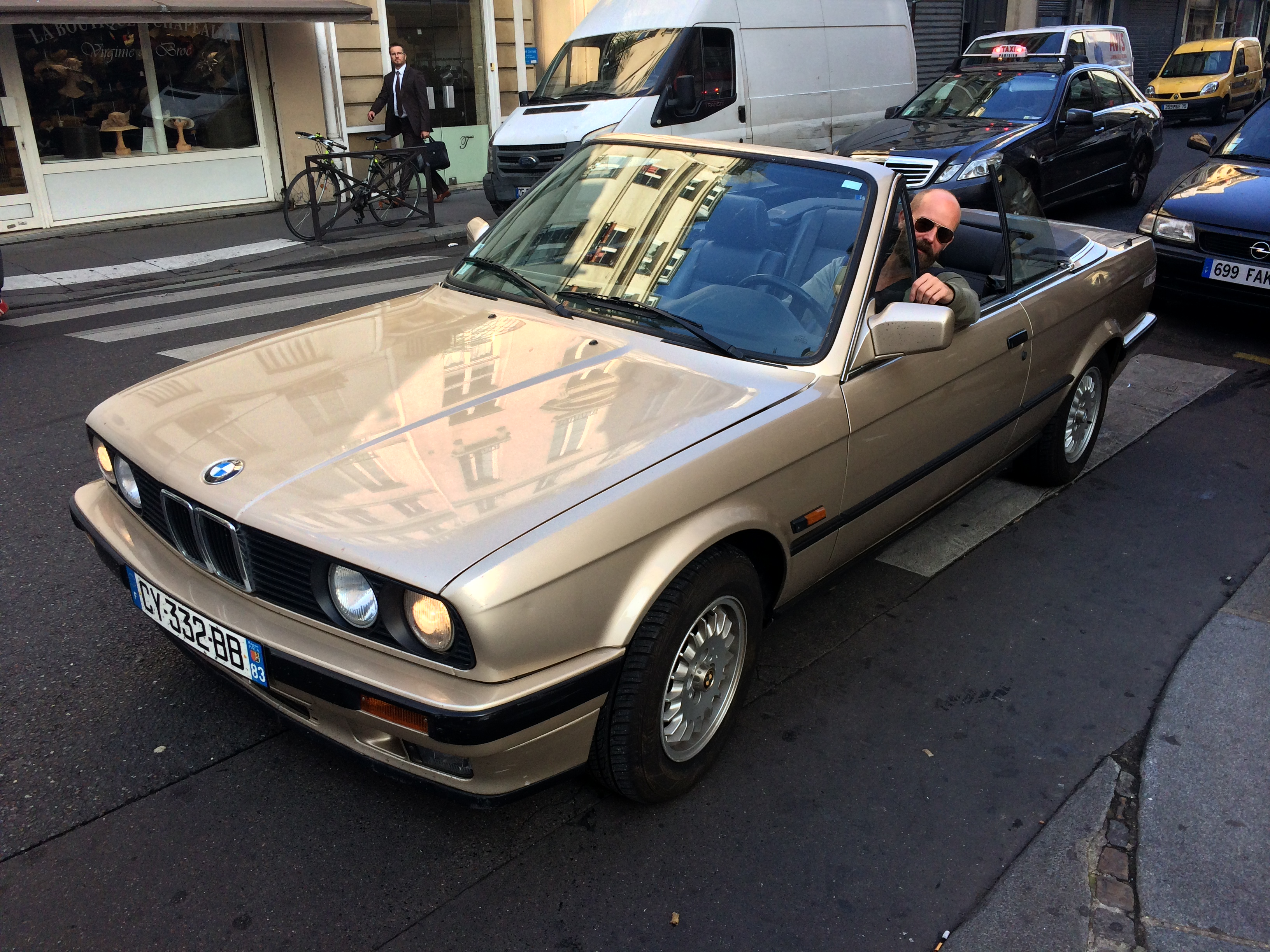 Illustration de cabriolet e30 325i