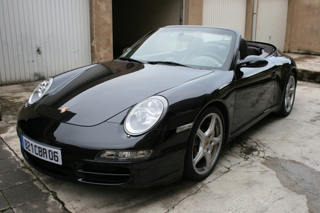 Illustration de Porsche 997  Carrera S cabriolet Exclusive