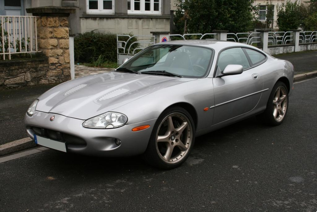 Illustration de Jaguar XKR coupé 4.0 L